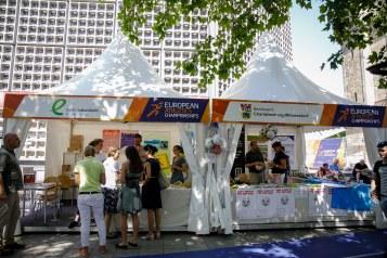Pagoden-Info-Zelte neben dem SDG-Stand auf der Fanmeile am Breitscheidplatz. Berlin, 07.08.2018. Copyright: Janine Schmitz/ photothek.net
